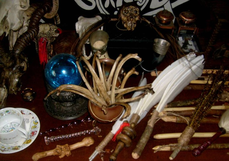 Witchcraft_artefacts.v1