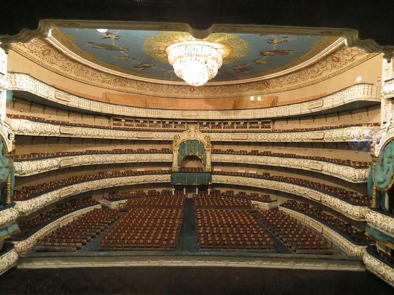 1024px-Mariinsky_theatre,_Saint-Petersberg,_scene