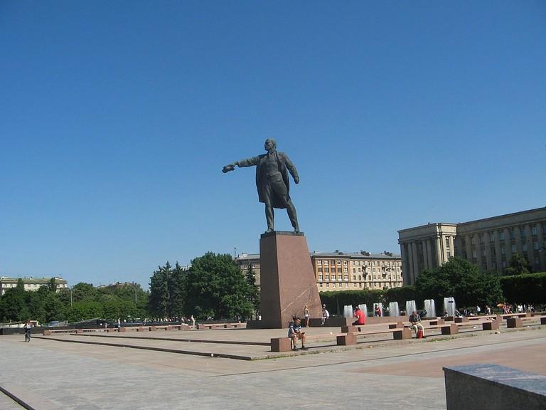 1200px-Московская_площадь._Ленин02
