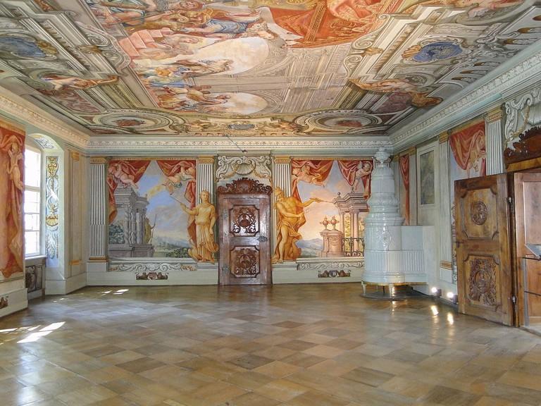 1200px-Conv.Herrenchiemsee-Gartensaal