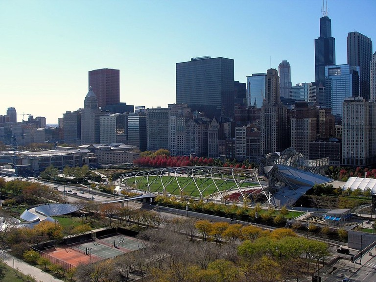 1200px-View_of_the_Chicago_skyline_from_340_on_the_Park