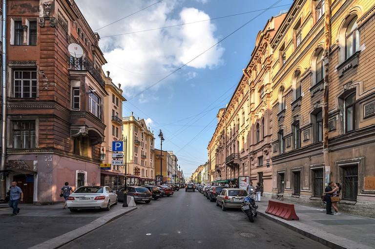 1600px-Rubinsteina_Street_SPB_01