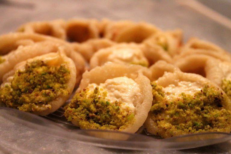 Qatayef with cream and pistachio