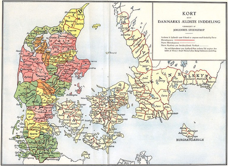 800px-Administrative_division_of_denmark_in_medieval_times