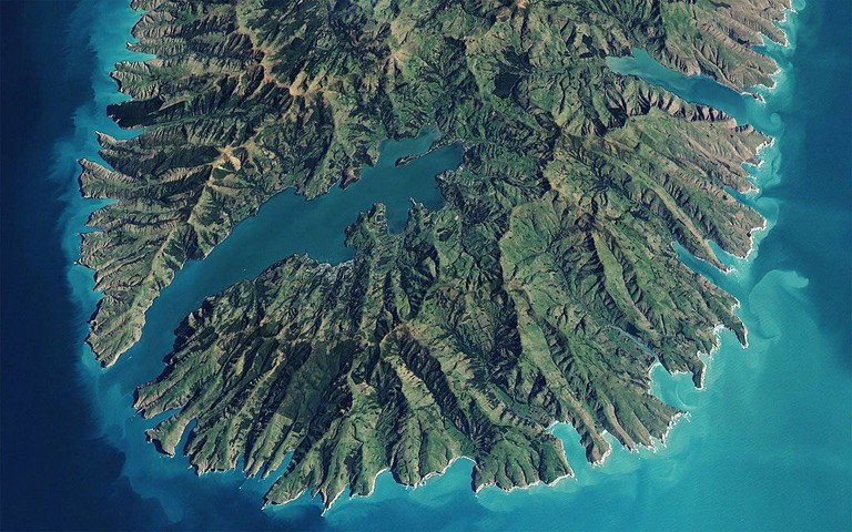 Akaroa,_New_Zealand_(satellite_view)
