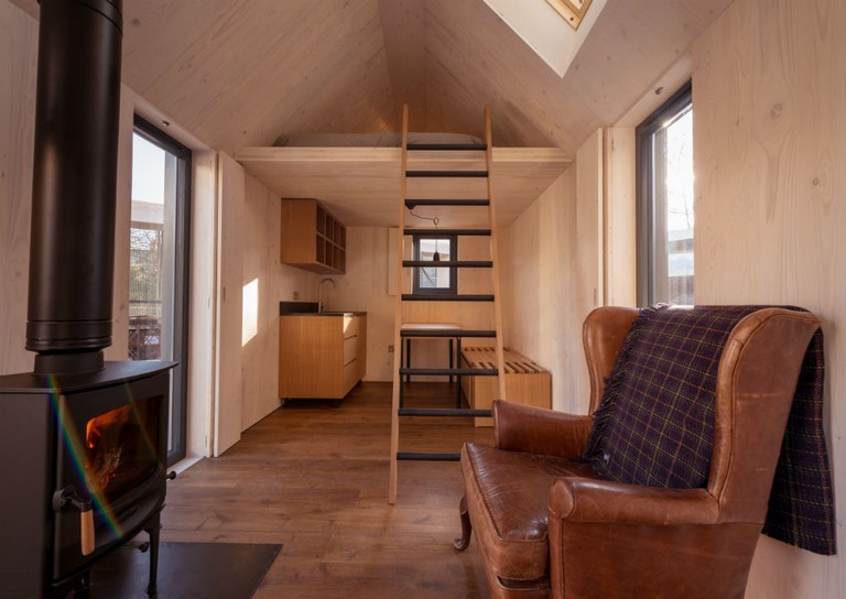 Artist Bothy interior 3 photo by Johnny Barrington