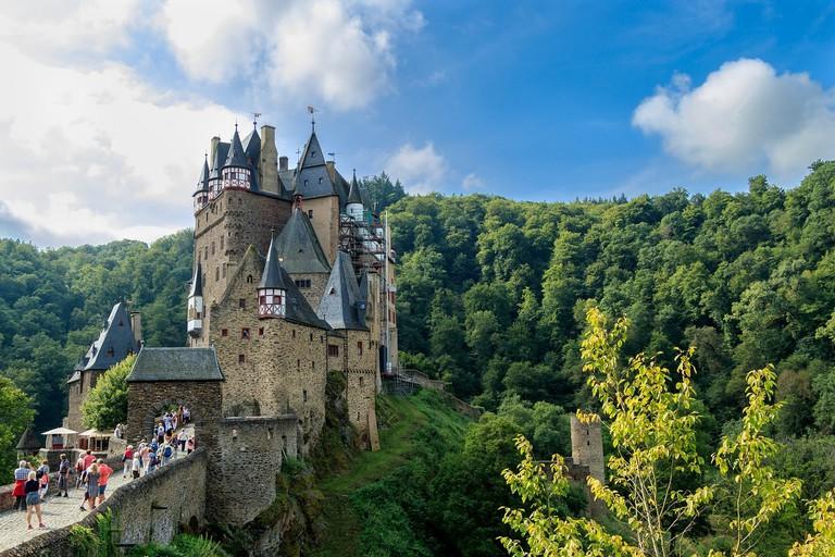 castle-2649207_1280