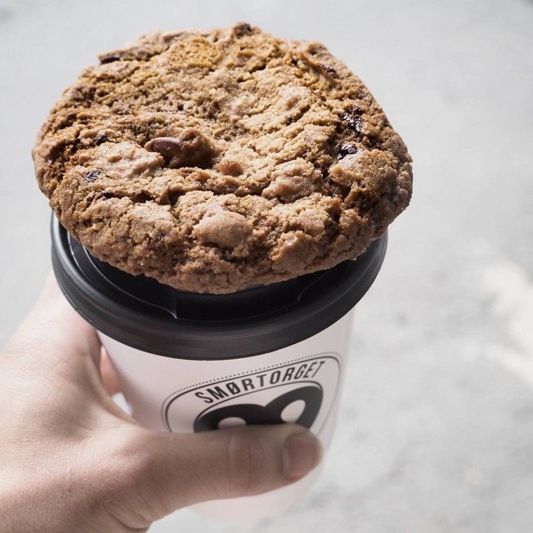 Coffee and cookie to go from Smørtorget, Trømso, Courtesy of Smørtorget