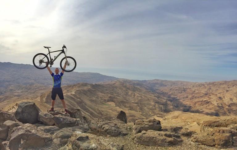 Dhiban_Plateau_Cycling_in_Jordan