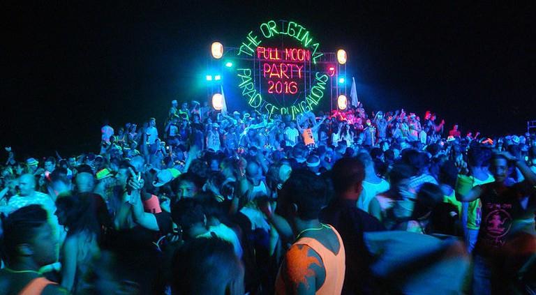 Full-Moon-Party-2016_DSC03418w