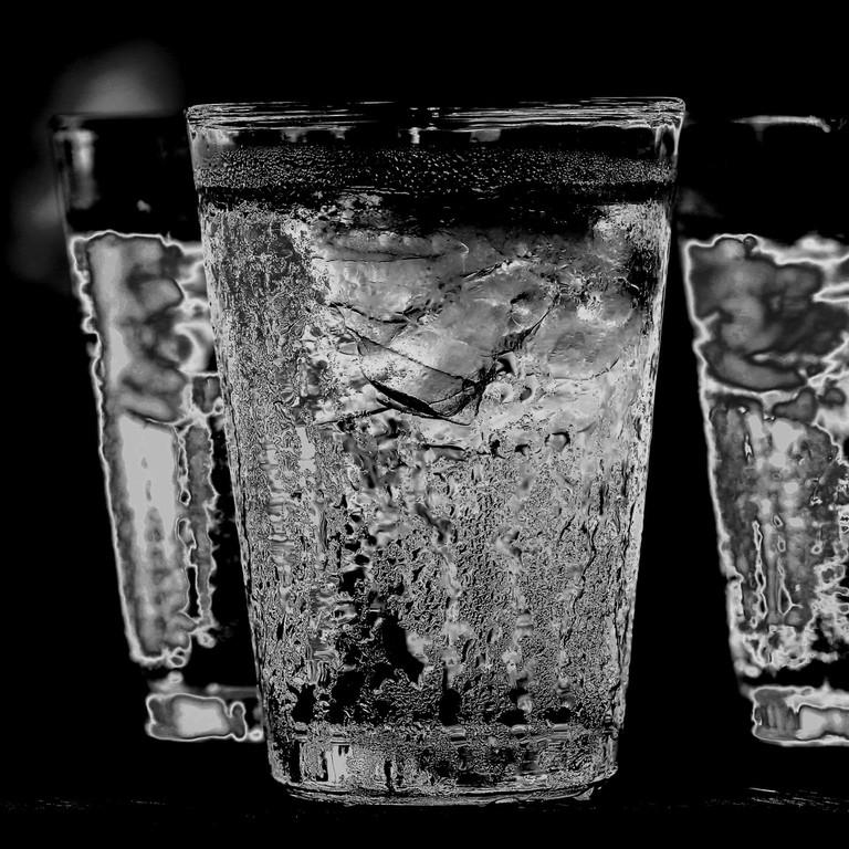 glass-3023103_1920