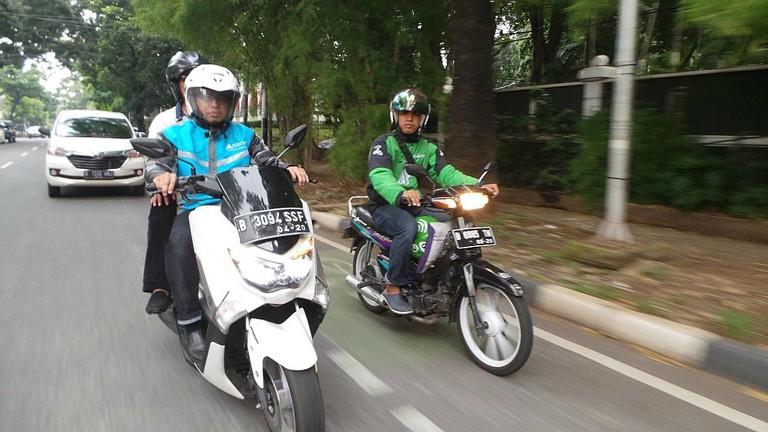 Go-Jek bike on the road in Indonesia © Anterin.id / Wikimedia Commons