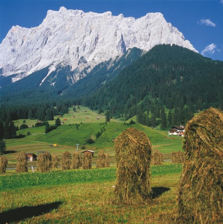 LOWRES_00000004191_Blick-auf-Zugspitze-bei-Ehrwald-Tirol_Oesterreich-Werbung_Storto - Edited