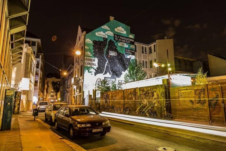 mural-budapest