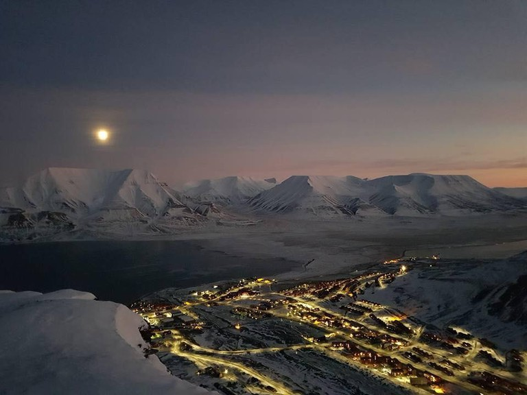 Polar Night in Longyearbyen © Anders Magne Lindseth, Courtesy of Visit Svalbard