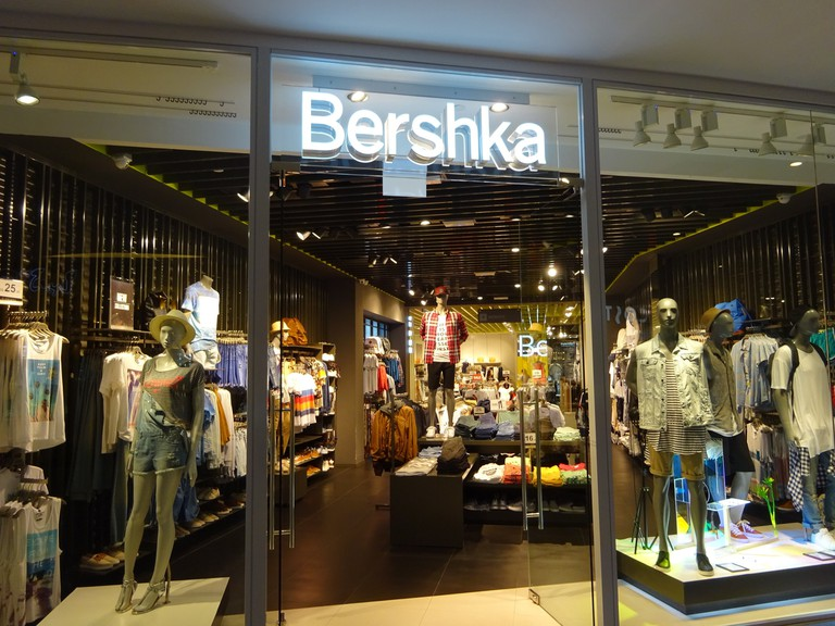 rsz_sg_singapore_harbourfront_centre_may-2015_dsf_shop_bershka_clothing