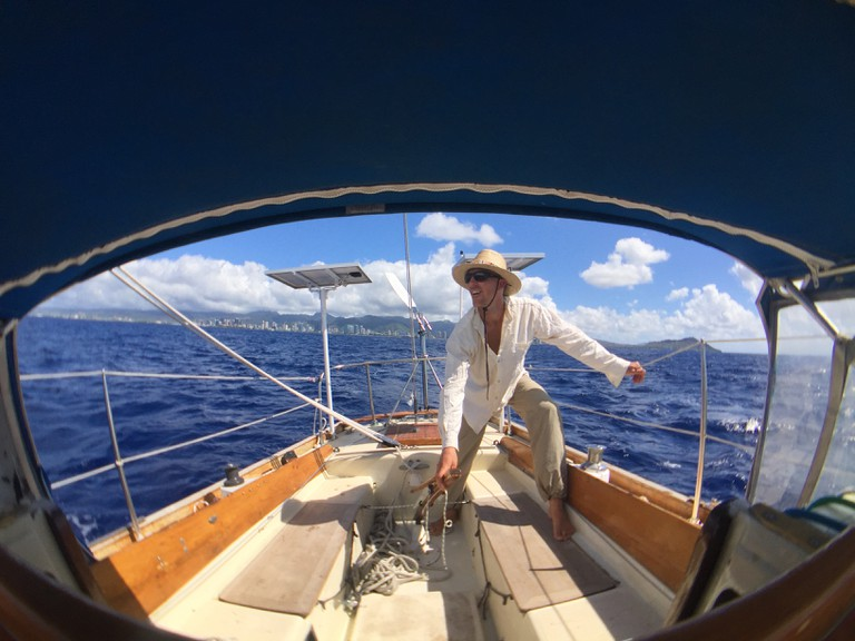 Sailing solo away from Hawaii. www.routesofchange.org