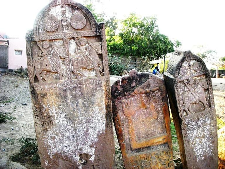 Sati stones.v1