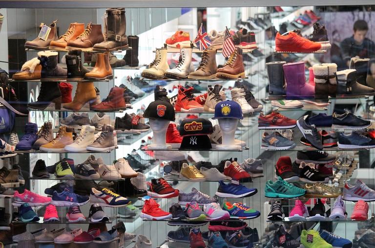 shoes-1713338_1920