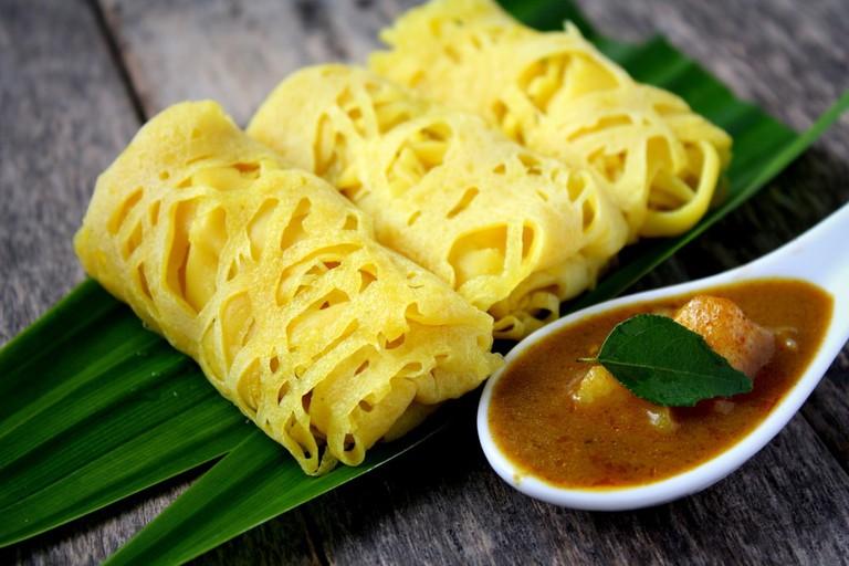 Roti Jala- Traditional Malaysian cake | © Dolly MJ/Shutterstock