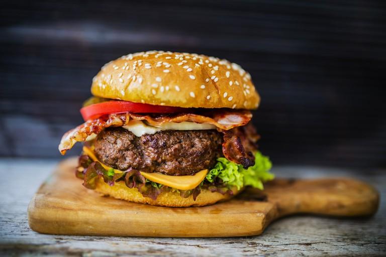 Homemade hamburger | © gorillaimages/Shutterstock