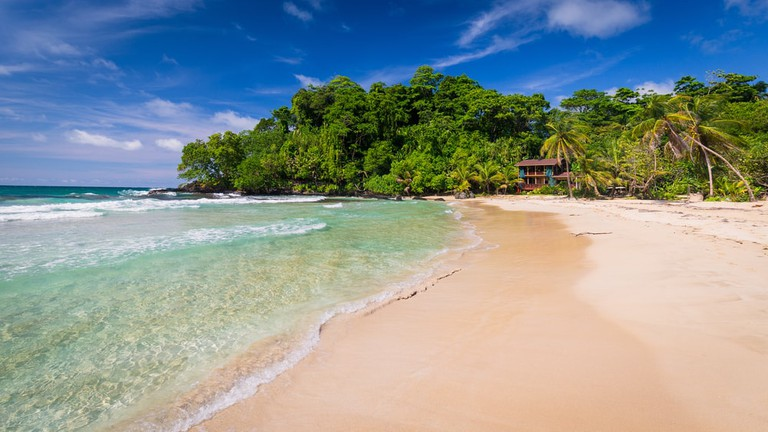 The popular Red frog beach on Basimentos Island, Bocas del Toro, Panama | © Daniel Lange/Shutterstock