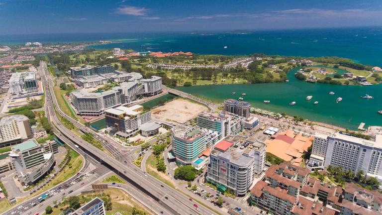 The Tunku Abdul Rahman Marine Park is accessible from Jesselton Point in KK City