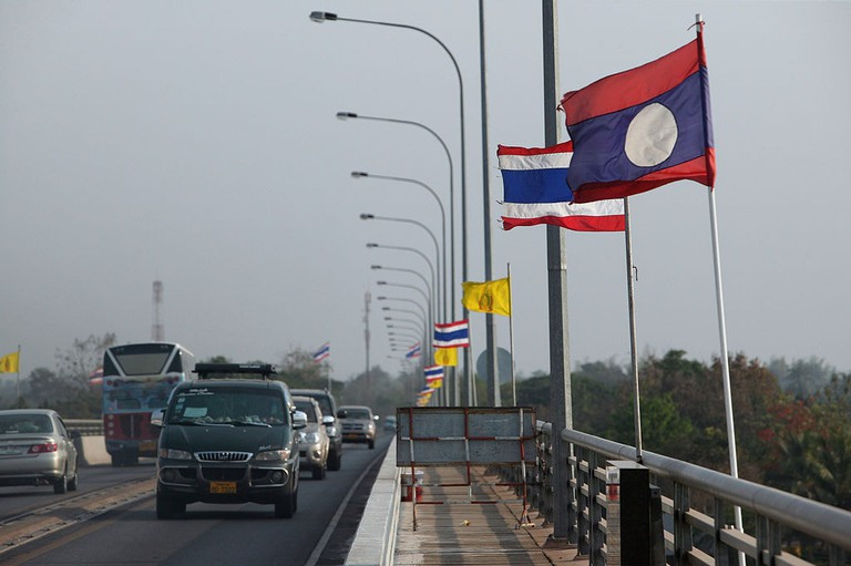 The_Friendship_bridge_built_with_Australian_funding_and_completed_and_opened_in_1994,_crossing_the_Mekong_River_and_connecting_Thailand_to_Laos._(10729190614)