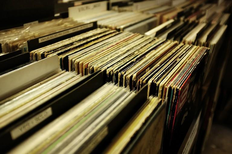 vinyl-2573856_1920