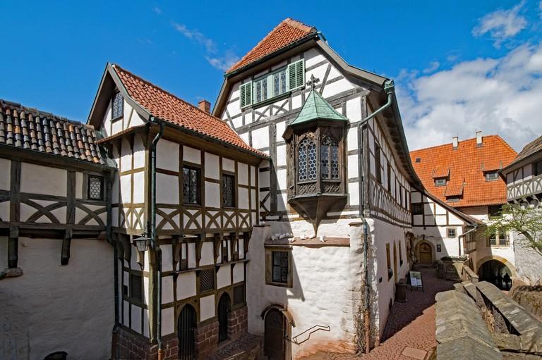wartburg-castle-2263925_1280