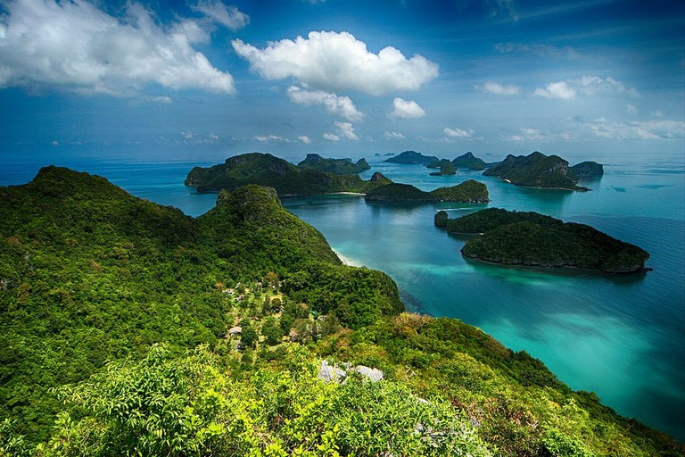1024px-Angthong_Islands_National_Park