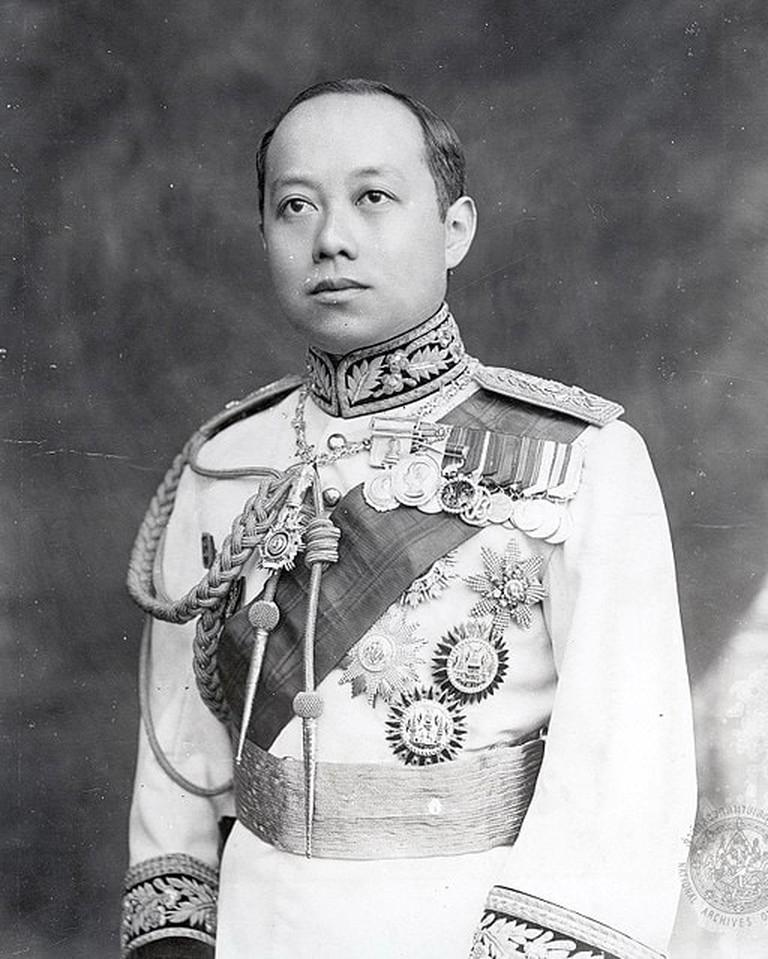512px-King_Vajiravudh_(Rama_VI)_of_Siam_uncropped