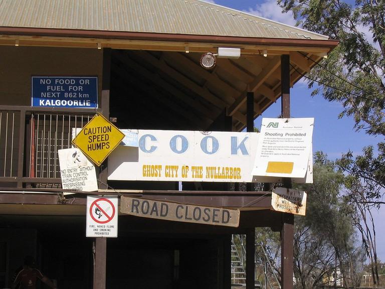 Cook, South Australia © John Darrington / Wikimedia Commons