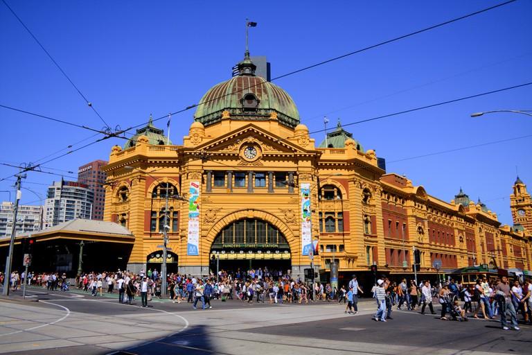 Flinders St Station, Melbourne © Travellers travel photobook / Flickr