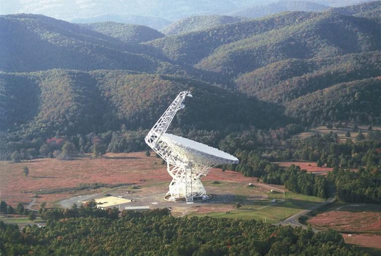 Green_Bank_100m_diameter_Radio_Telescope