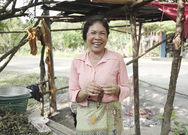 Choung Nhan explains how she cooks the rats