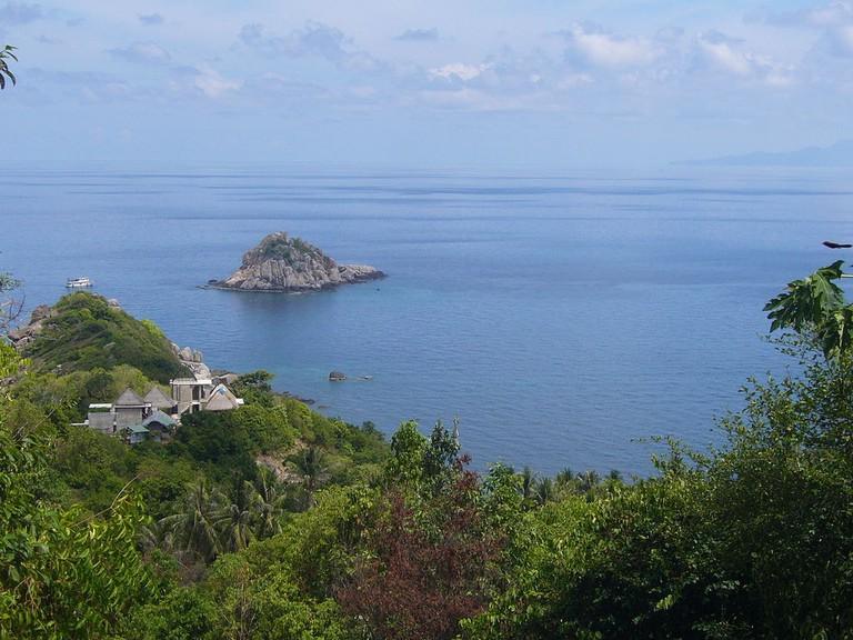 Koh_Tao_(Shark_Island)_-_panoramio