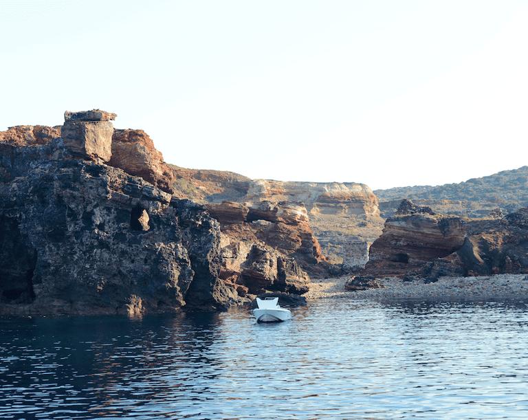 Milos, Greece © Conor Lawless / Flickr