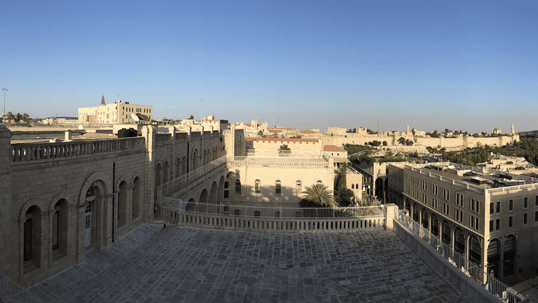 View on the old city from the Mamilla Hotel rooftop bar © Paul Arps / Flickr