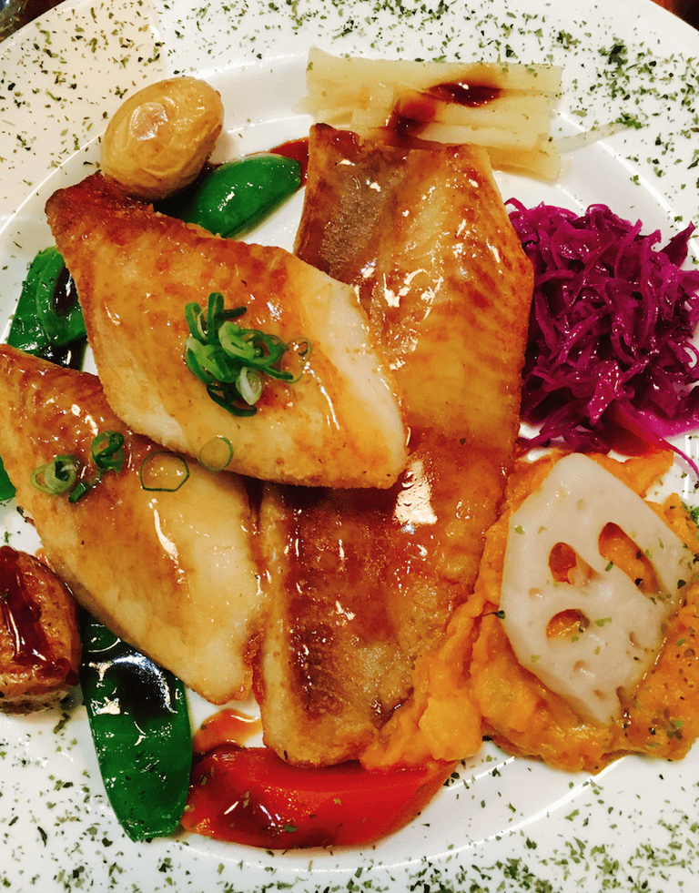 Snapper with vegetables at Orita's 2. © Jessica Poulter