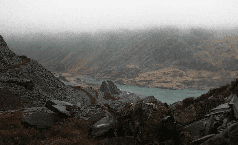 Cloudy views at Dinorwic quarry|©fairlightworks/Flickr