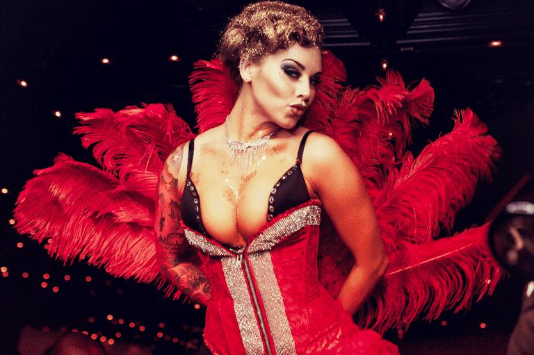 Entertainer at Cirque le Soir