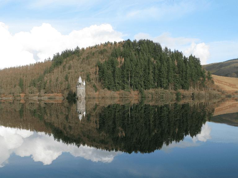 Lake Vyrnwy, Brecon|©David Harris/Flickr