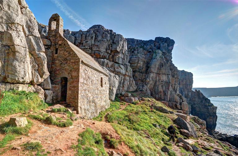 St Govan's Chapel|©David Skinner/Flickr