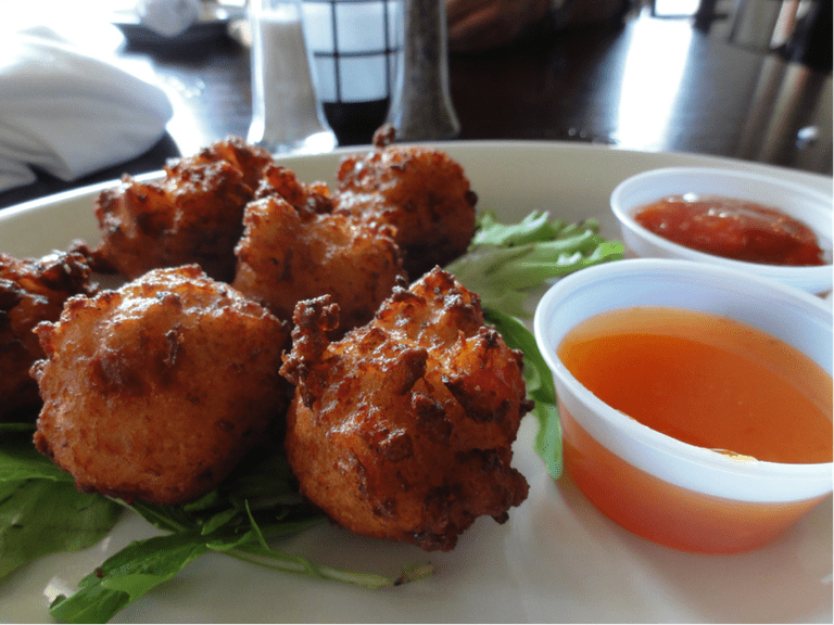 Conch Fritters | © inazakira / Flickr