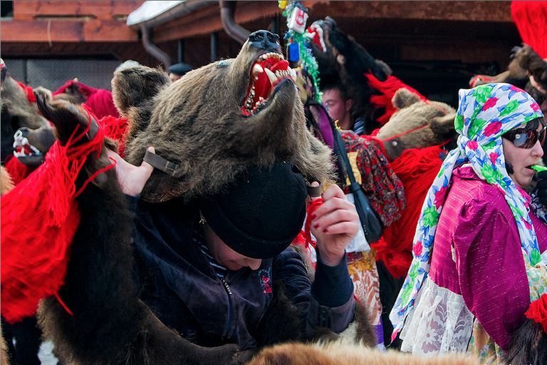 Women find the tradition increasingly popular   © Alex Dima