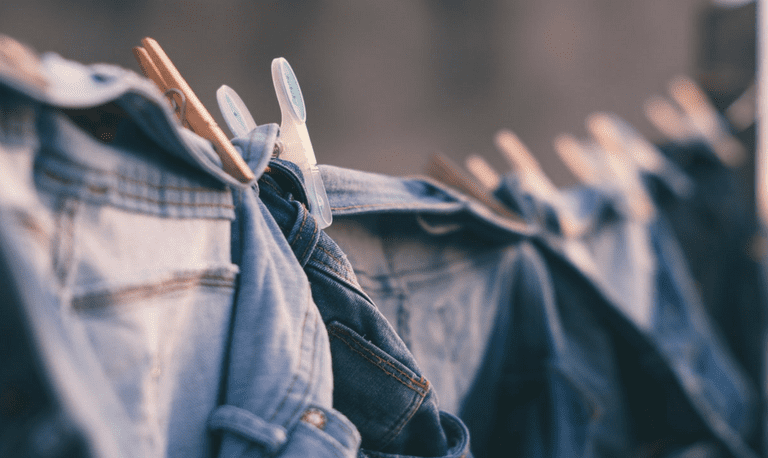 Clothes  © Bruno Nascimento / Unsplash