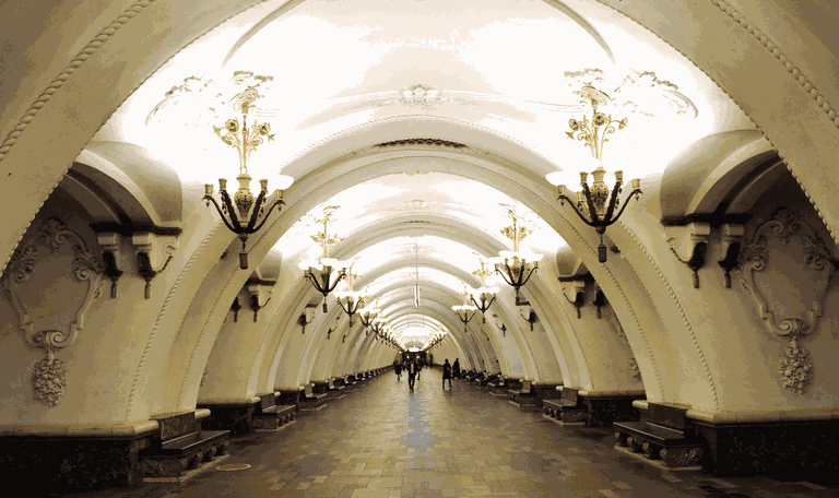 Arbatskaya_Metro_Station_of_Moscow_Metro_in_Moscow_Russia