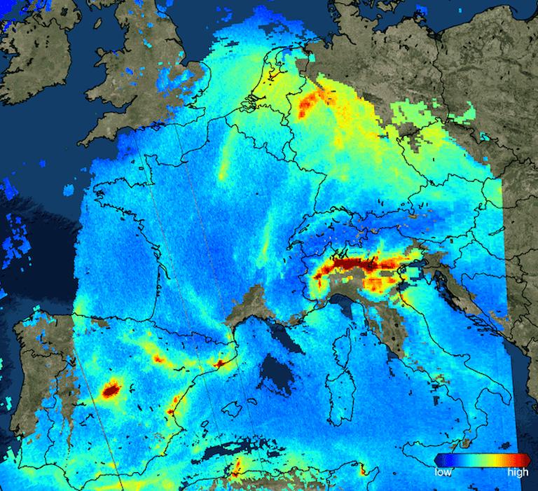 Sentinel-5P_sees_nitrogen_dioxide_over_Europe