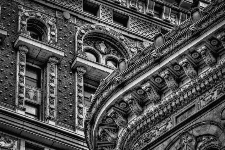"Black and white facades | <a href=""http://www.bobestremeraphotography.com/new-york-city/new-york-noir/"" target=""_blank"" rel=""noopener"">© Bob Estremera</a>"